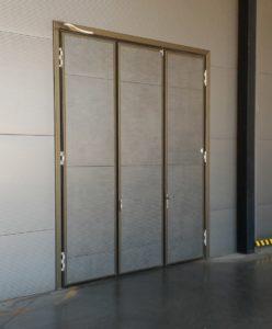 Складывающиеся двери предназначены для установки в проемах с ограниченным свободным пространством.